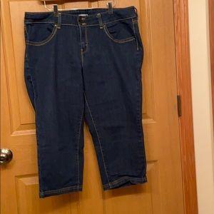 Levi's Jeans 👖 Capris Size 18
